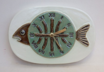 fish skeleton clock